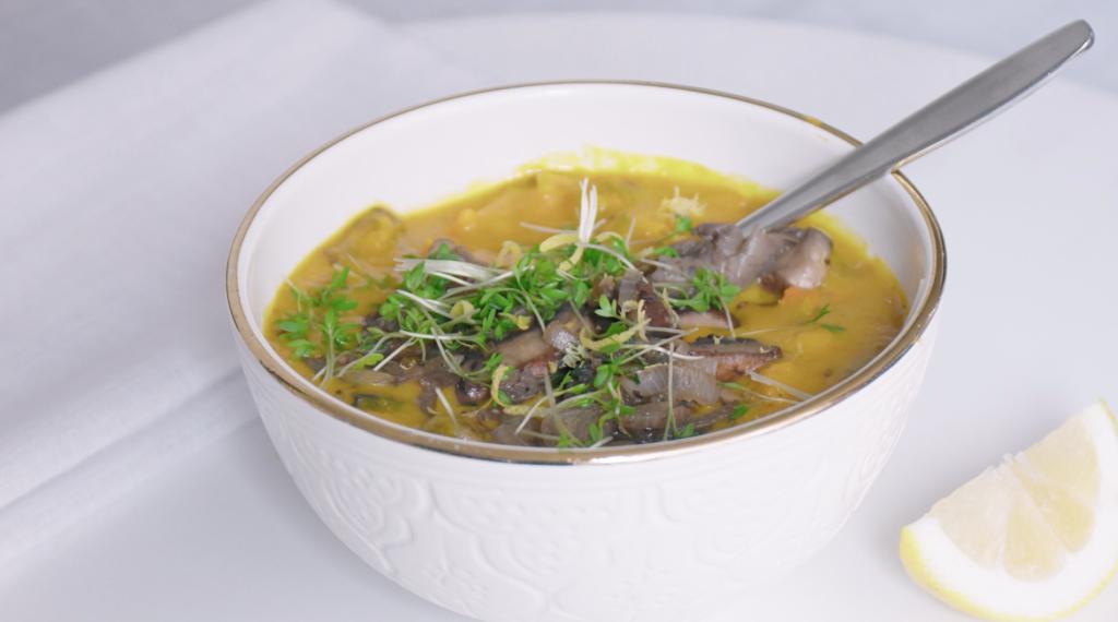 coach-nutrition-recpt-Champignonsoep-champignon-pompoen-soep-met-gebakken-paddenstoelen